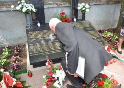 A tömeggyilkosság áldozatainak síremléke, Přerov